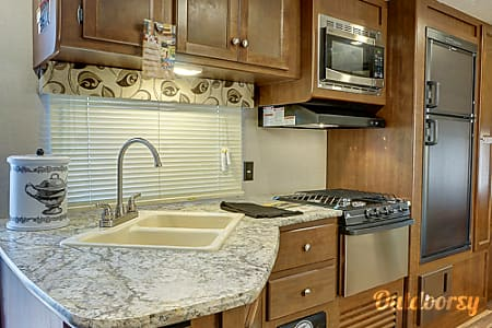 02017 Keystone Hideout - Luxury RV - Minutes from Disney - FREE DELIVERY TO DISNEY'S Fort Wilderness  Clermont, FL