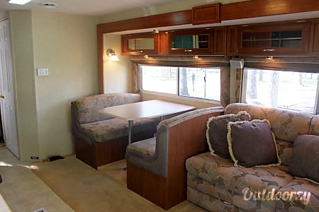 The Perfect Home Away from Home!! 2004 Jayco Mini Granite 31' Easy to Handle!  Chatham, IL