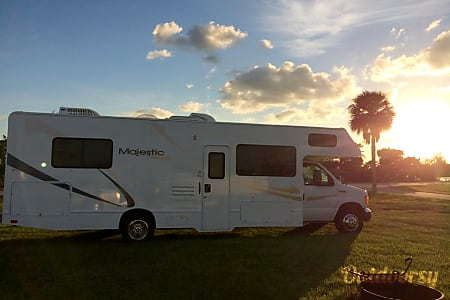 02008 Four Winds Majestic 30B  Vero Beach, FL