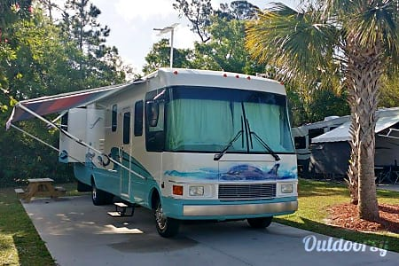 2000 National RV Dolphin  Vero Beach, FL