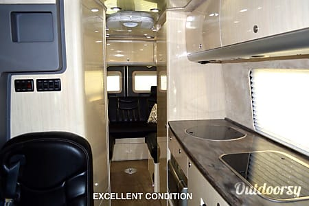 Luxury Mercedes Airstream - can deliver and pickup in Los Angeles area with advance notice.  Los Angeles, California