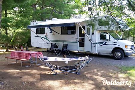 02001 UPDATED Thor Four Winds Majestic - 31' - The Complete Package!  Bandera, Texas