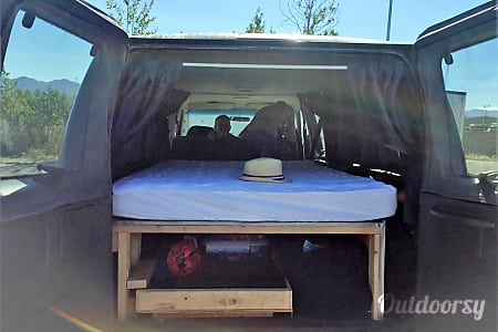 19' Ford CamperVan Club Wagon (VFCCW1994)  Anchorage, AK
