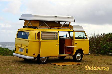 Margarida - 1970 Volkswagen Bus  Waialua, HI