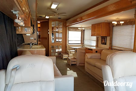 40ft Luxury CAT Diesel Pusher Sleeps 8  Loganville, GA