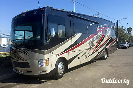 2016 Thor Motor Coach Outlaw Toy Hauler  Chesapeake, VA