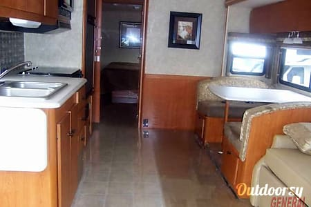 2008 Winnebago Sightseer  Minneapolis, Minnesota