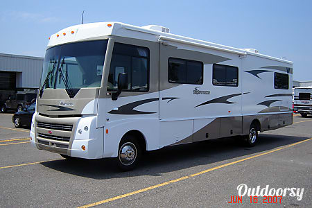 02008 Winnebago Sightseer  Minneapolis, MN