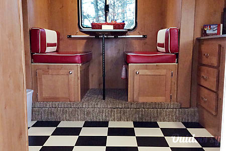 Retro Glamping in Style!  Tallassee, TN