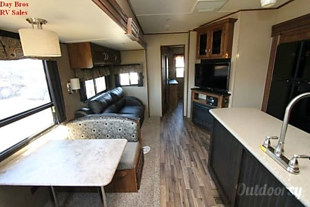 2017 Chaparral 371MBRB (unit 21)  Black Rock CIty, NV