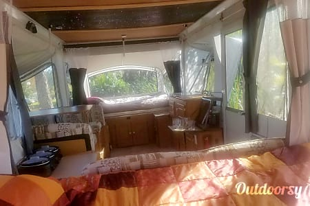 02006 Star Gazer Coleman Pop Up Trailer (Delivery, Set Up & Removal Available)  Gulfport, FL