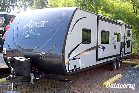 2017 Coachmen Apex  Holly Springs, NC
