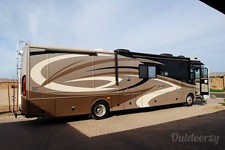 02007 Fleetwood Discovery 40x  Montebello, CA