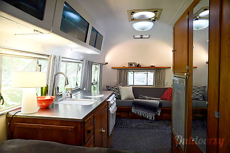 "1957 Airstream Caravanner: ""Fred""  Temple Hills, MD"
