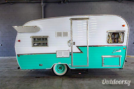 "016′ Shasta Aeroflyte ""Lucy"" Retro  Pismo Beach, CA"