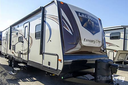 036′ New LaCrosse Luxury Lite Bunkhouse  Pismo Beach, CA