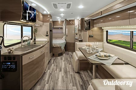 02017 Winnebago View 24J  Capitola, CA