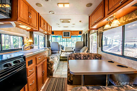 2006 Coachmen Mirada  Charleston, SC
