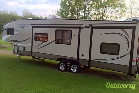 2015 hideout 308bhds  Girard, OH