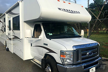 02015 Winnebago Minnie Winnie : Reasonable Rates- contact me!  Bellflower, CA