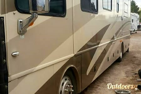 39ft Excursion diesel pusher A  Perris, CA