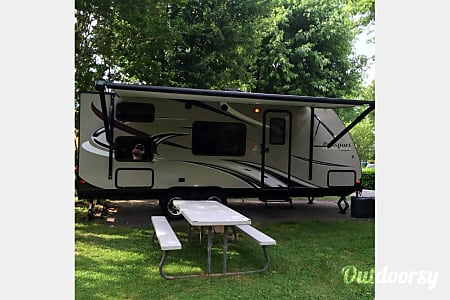 02015 Keystone Passport Ultralite Family Camper!  Chattanooga, TN