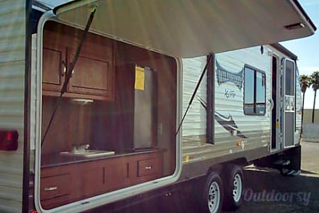 2015 28' Forest River Wildwood X-Lite 282K Travel Trailer  Temecula, CA