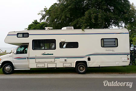 1999 Coachmen Pathfinder  Grand Rapids, MI