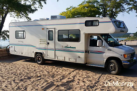 01999 Coachmen Pathfinder  Grand Rapids, MI