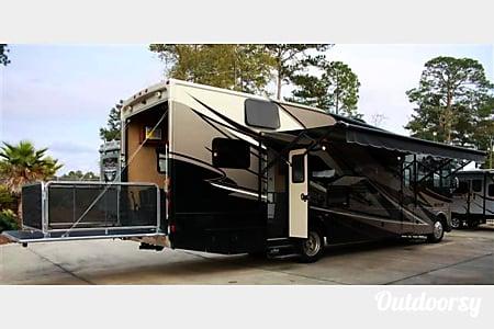 2014 Thor Motor Coach Outlaw  College Grove, TN