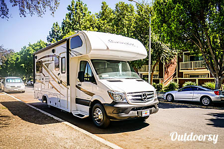 02017  Mercedes  Forest River Sunseeker  El Monte, CA