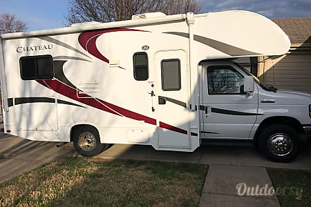 02015 Thor Motor Coach Chateau  Lexington, KY