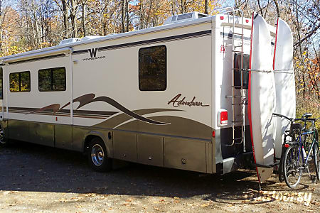 1999 Winnebago Adventurer  Grand Rapids, MI