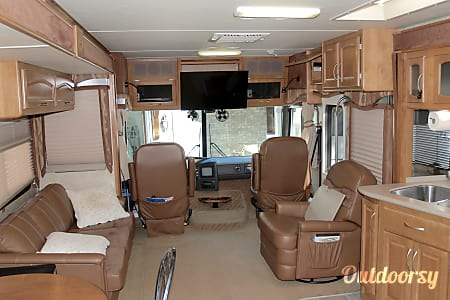 2004 Fleetwood Pace Arrow  Southport, NC