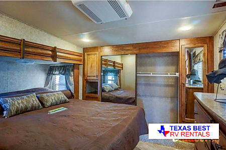 2016 Keystone Sprinter 5th Wheel  Pflugerville, TX