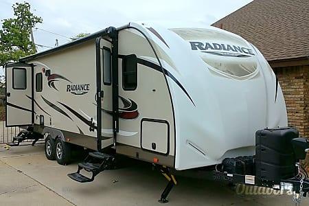 2016 Radiance 28RLSS  Fort Worth, TX