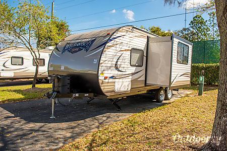 2017 Forest River Wildwood X-Lite 230BHXL  Seffner, FL