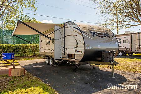 02017 Forest River Wildwood X-Lite 230BHXL  Seffner, FL