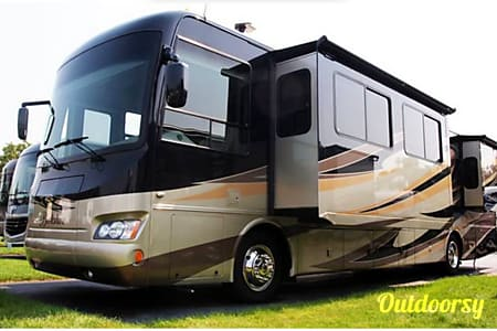 0Luxury Motor Coach  Evansville, IN