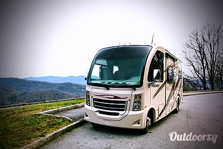 0Where's Waldo!?  2015 Thor Motor Coach Vegas  Asheville, NC