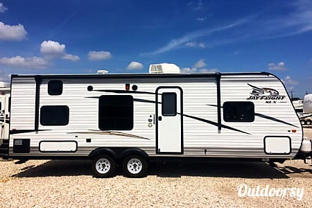 026′ Jayco Travel Trailer  Pflugerville, TX
