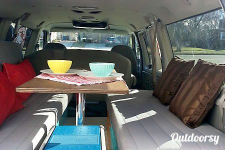 2008 Ford Econoline, 5 seats. Sleep 2. No Pets.  Des Plaines, IL