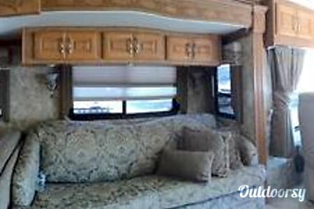 Coachman Cross Country 38  Miami, FL