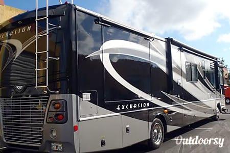 Fleetwood Excusion 40X  Miami, FL