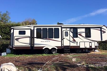 02015 sierra 308bh5  Malibu, CA