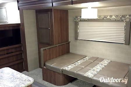 New 2017 25' Coleman Bunk House W/ Slide.  Acworth, GA