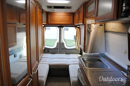 2009 Roadtrek Mercedes Sprinter Adventurous Rs  Minneapolis, MN