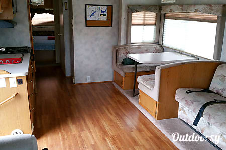 0Four Winds Hurricane  ~ Great Family RV, easy to drive, easy to park, fun to camp!  Manchester, MO