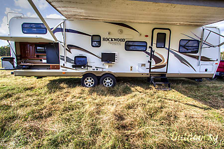 2012 Forest River Rockwood Signature Ultra  Franklin, TN