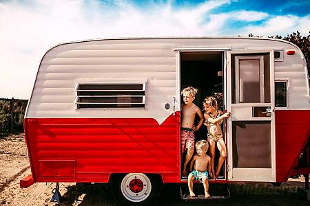 01971 Kayot Vintage Camper Canned Ham  Vista, CA